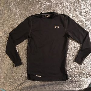 Under armour cold gear shirts size s